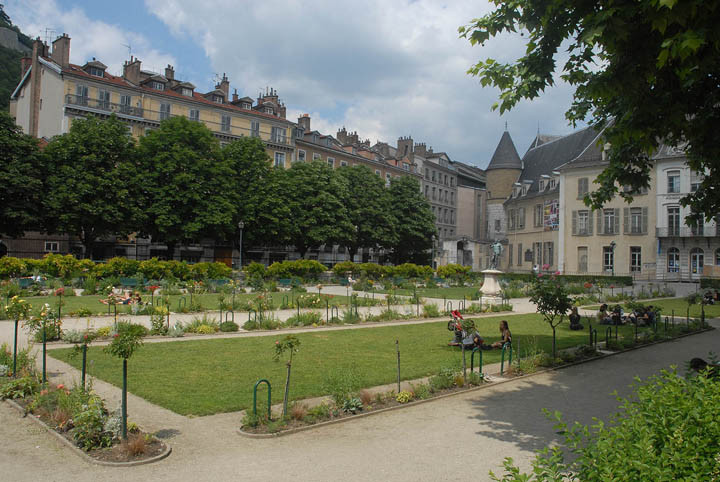 Jardin de ville biblioth que for Piscine grenoble